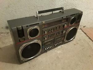 Panamax kasetofon 80tih