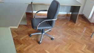 Kancelariska fotelja kozna