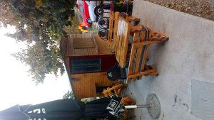 Drveni grill kiosk