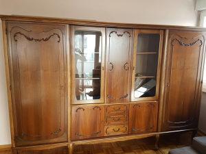 Stilska vitrina, komoda i sto