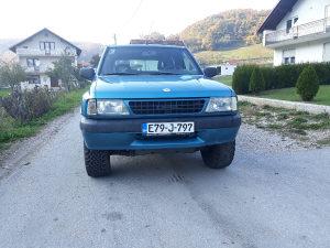 Opel Frontera pajero terrano vitara