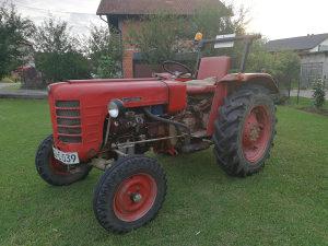 Traktor ZETOR 3011 sa kosom