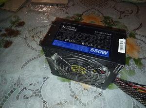 Napojna 550w ima 6i8pin za grafike