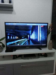 Grunding tv 40'' smart full hd