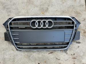 Prednja maska sa znakom Audi A4 8K 2012 - 2015 god