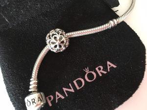 Pandora privjesak (Picking Daisies Flower) - original!