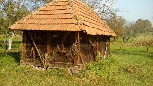 Stara drvena zgrada