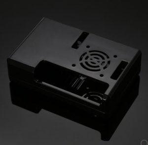 Crno kuciste sa hladnjakom Raspberry Pi 3 B PLUS