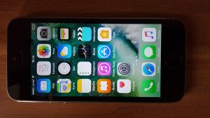 IPhone 5S, 32GB, Space Gray, sve otključano, garancija