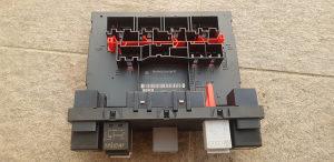 BSI elektronika passat 6 3c0937049J