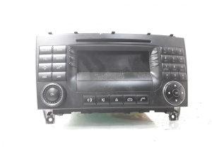 RADIO A2098204489  CLK W209 ILMA 168434