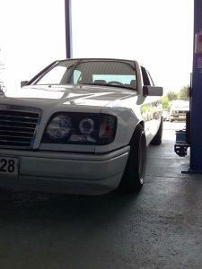 Mercedes 124 kabriolet coupe (kupujem dijelove)