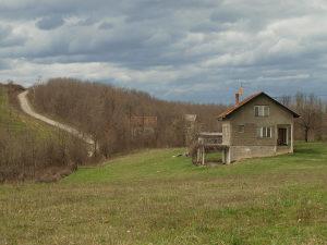 Plac i vikendica u Rijecanima