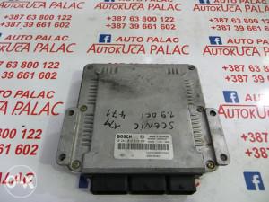 KOMPJUTER MOTORA Renault SCENIC 8200039569 0281010819 KM471