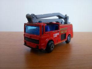 Autić kamion Matchbox SNORKEL