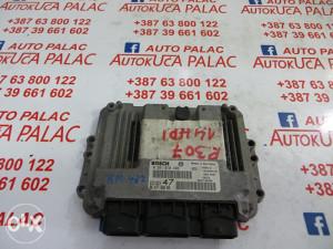 KOMPJUTER MOTORA Peugeot307 9647785880 0281010390 KM482