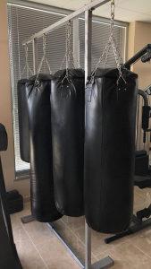 Vreća za boks 30kg + rukavice za boks crne + bandaže