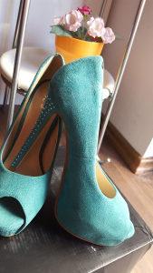 Zenske cipele br.36 i 40