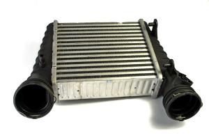 HLADNJAK ZRAKA INTERCOOLER Volkswagen Passat   1,8 20V Turbo i Benz. Aut 00>