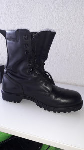 Vojnicke cizme broj 43