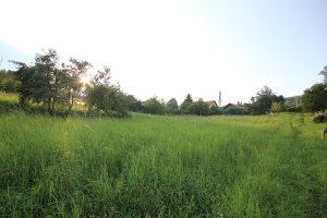 Zemljište u Ahatovićima 3 dunuma, Novi Grad