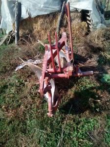 Plugovi za traktor IMT