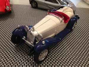 SET tri modela 1:18 autica