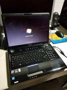 Laptop toshiba P300/4gb ram/320hdd/ati 512mb