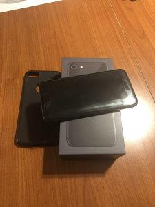 iPhone 8 64gb space gray fabricki otključan