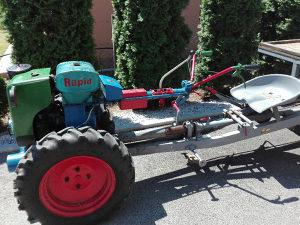 Mali traktor na prodaju