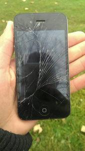 Iphone 4 razbijen