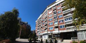 Grbavica/ Kovačići trosoban moderno namjesten stan