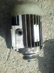 Elektromotori 3 komada