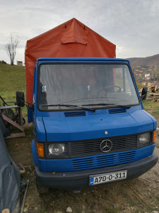 Mercedes-409