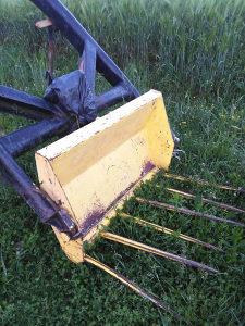 Prodajem traktorski utovarivac