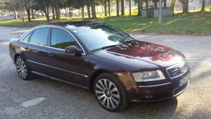 Audi A8 quattro plin