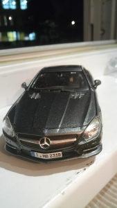 Mercedes sl 500 1:24 burago