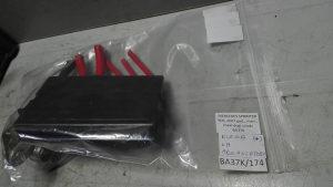 Klema na akomulatoru /MERCEDES SPRINTER 2007/ BA37K/174