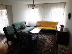 Prodaje se trosoban stan s garažom u zgradi Ledara