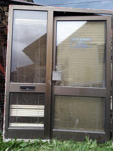 Vrata za radni prostor
