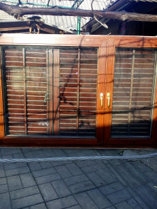 Polovni drveni prozori sa griljama