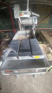 Mašina za rezanje kamena