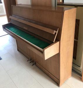 Petrof Pianino Klavir