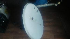 Satelitska antena sa motorom